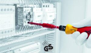 как пользоваться моментной диэлектрической отверткой