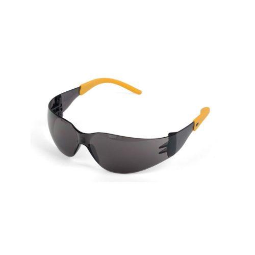 Защитные очки с двойной защитой: от попадания мелких частиц и солнечных лучей