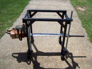Схема простой и удобной пилорамы из бензопилы портативная