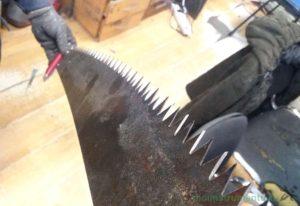 Как наточить ножовку ручную