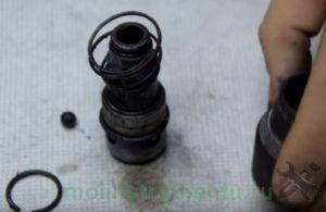 Демонтаж чехла и разборка патрона