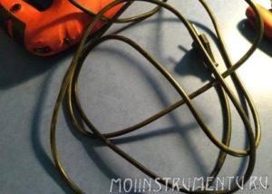 Проверить исправность сетевого провода лобзика