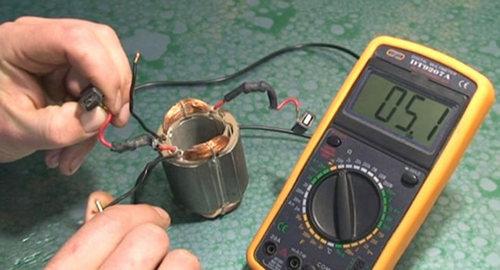 Проверка статора лобзика мультиметром
