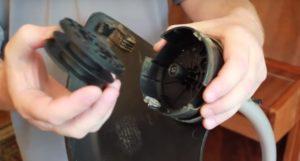Снятие катушки с головки триммера