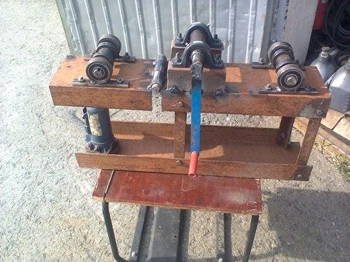 Вальцовочный станок для сгиба труб из домкрата