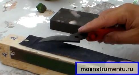 Заточка секатора на мелкой наждачке