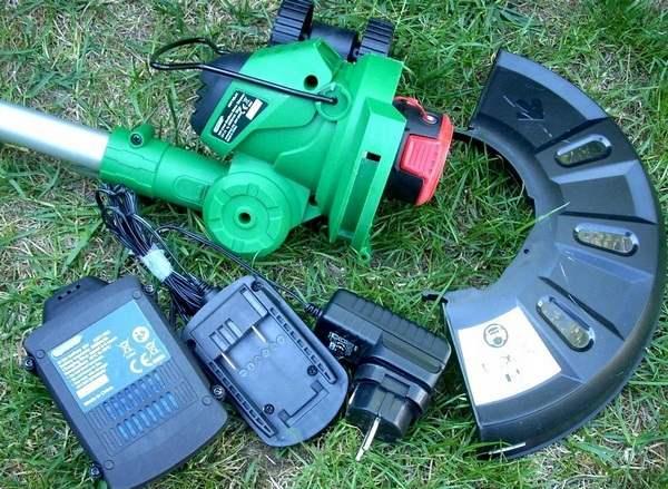Аккумуляторный триммер для травы назначение