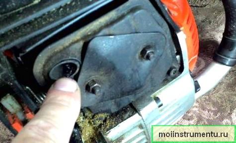 Глушитель бензопилы причина почему не заводится инструмент
