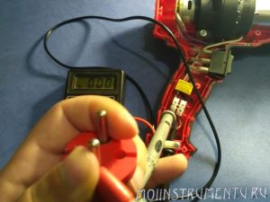 Проверка исправности сетевого провода фена