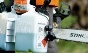 Смешивание бензина и масла в бензопилу