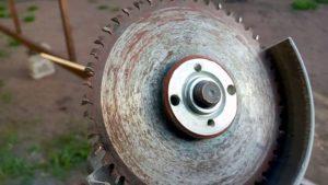 Отрезной диск на болгарку по дереву