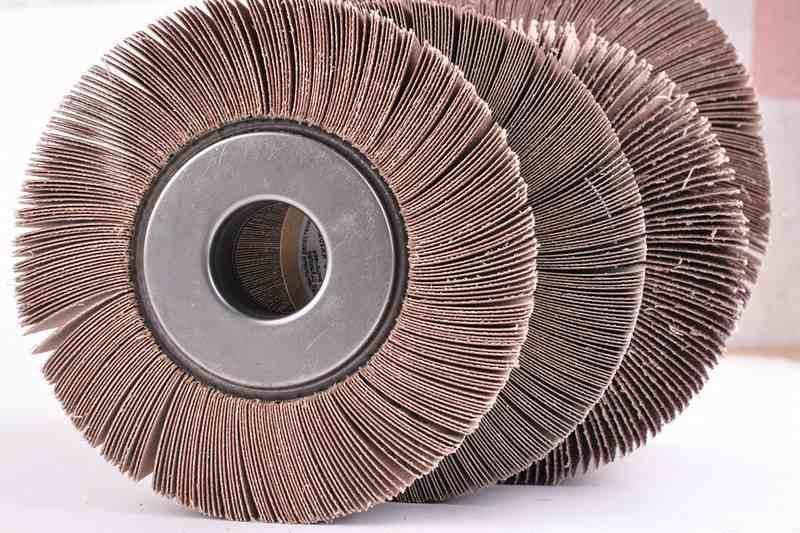 Торцевой шлифовальный диск на УШМ