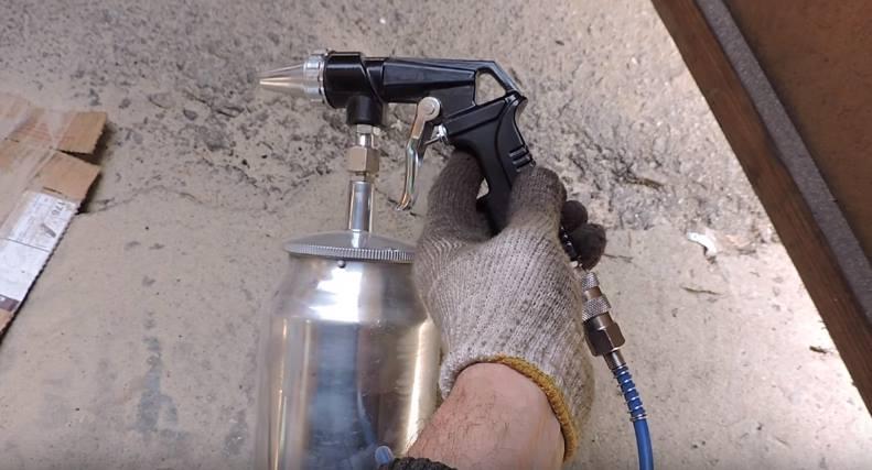 Пескоструйный пистолет с баком