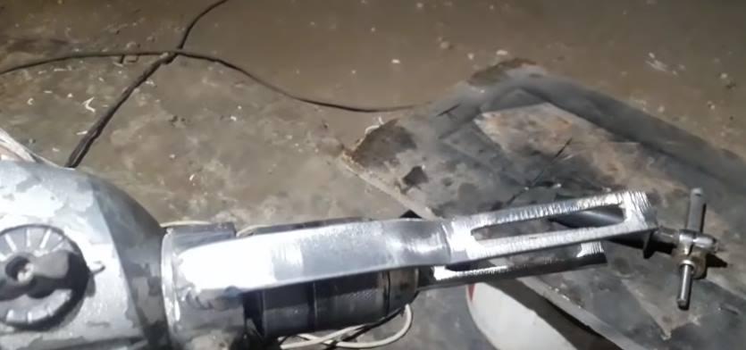 Вырезать пазы внутри пластин