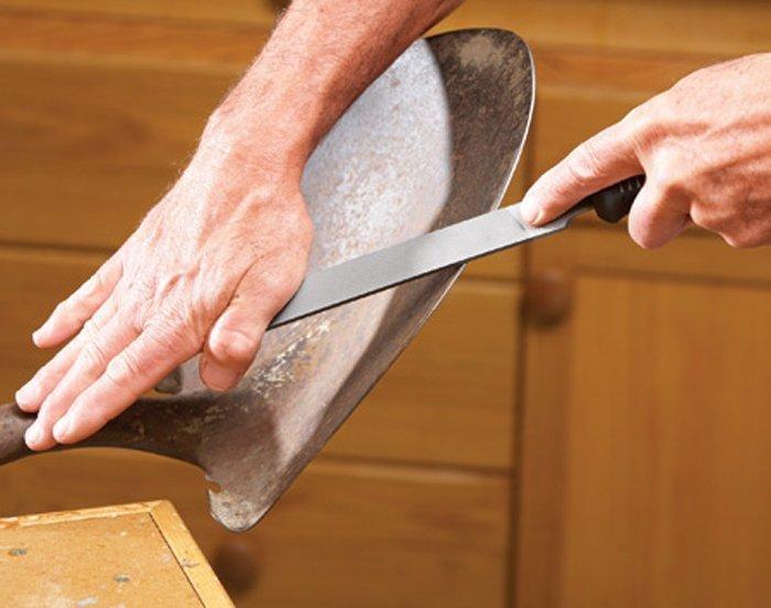 Наточить лопату