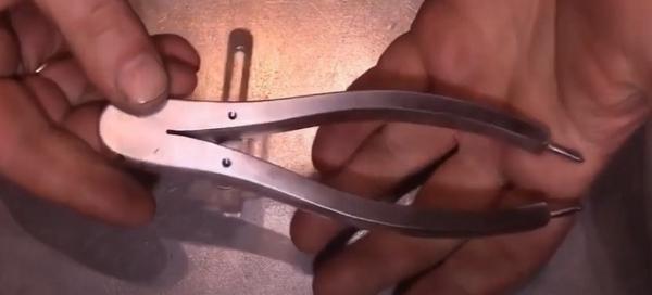 Циркуль из плоскогубцев