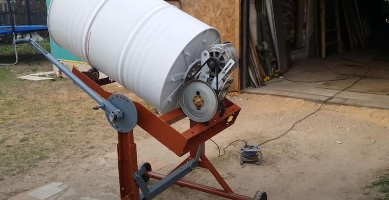 Двигатель и редуктор самодельной бетономешалки