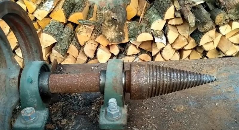 Конусовидный наконечник для дровокола